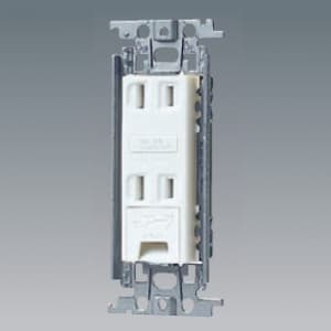 パナソニック 埋込アースターミナル付ダブルコンセント 金属取付枠付 15A 125V ホワイト WTF1532WK