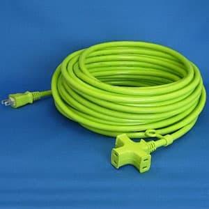 正和電工 トライアングルマルチタップ延長コード 3個口 20m 若草 VCTM-20GN